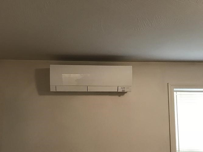 Ductless heating and cooling system installed in Salem home.