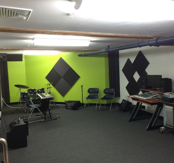 Heating and air conditioning in Andover music studio, thanks to N.E.T.R., Inc.