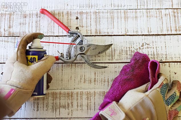 lubricate your garden tools